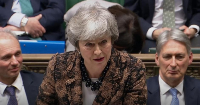 Theresa May presenta plan B: no quiere demorar el 'brexit' y seguirá negociando con opositores