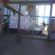 """24 horas después del anuncio de """"mano dura"""" del Gobierno, mapuches se toman Municipalidad de Collipulli"""