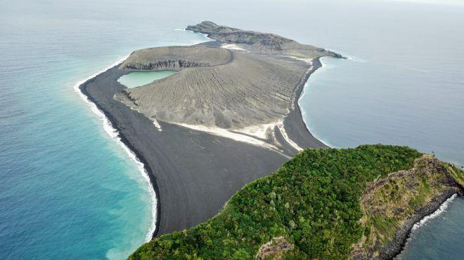 El misterioso lodo en una isla nueva del Pacífico que desconcierta a científicos de la NASA