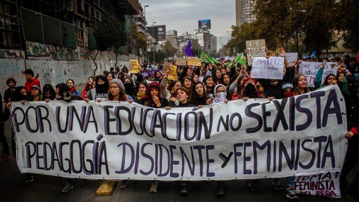 """Feministas acusan de """"conservador"""" el plan no sexista de las ministras Plá y Cubillos"""