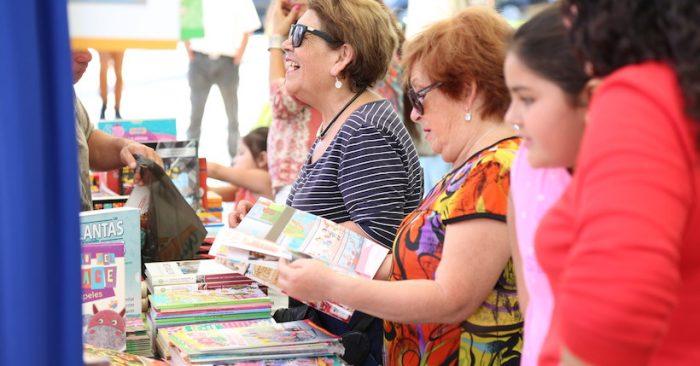 Feria del Libro de Ovalle en Plaza de Armas de Ovalle
