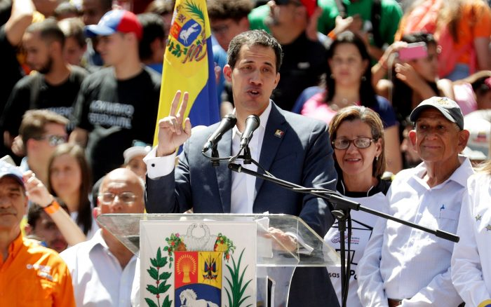 Guaidó dice que ayuda humanitaria entrará en Venezuela desde el 23 de febrero