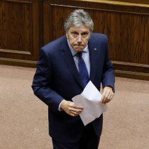 Ministro de Defensa se va en picada contra Francisco Vidal por asesorar a Juan Miguel Fuente-Alba