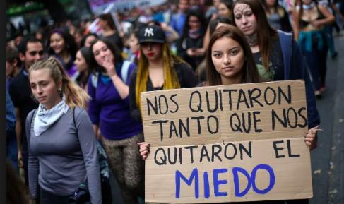 Democratización y ola feminista