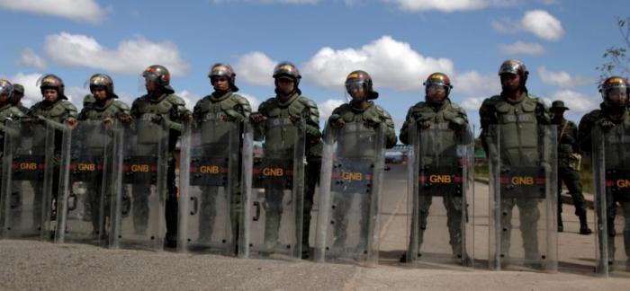 Ingreso de ayuda humanitaria en Venezuela podría usar la fórmula de la zona de exclusión de Libia