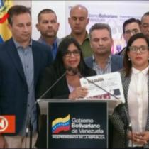 """La delirante denuncia de la vicepresidenta de Venezuela: """"La ayuda humanitaria contiene armas biológicas"""""""