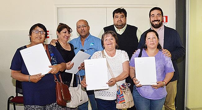Primeras familias de Hualpén obtienen título de dominio de sus nuevas viviendas