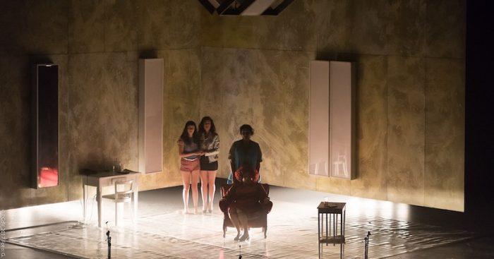 """Obra """"Requiem"""" de la compañía La Malinche Teatro en Matucana 100"""