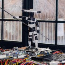 ReciclArte: Esculturas a partir de desechos tecnológicos