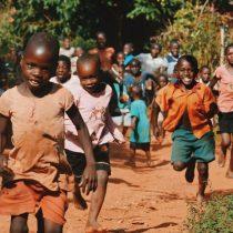 Comercio justo en 14 de febrero: ¿Quién protege a los niños esclavos de la industria del cacao?