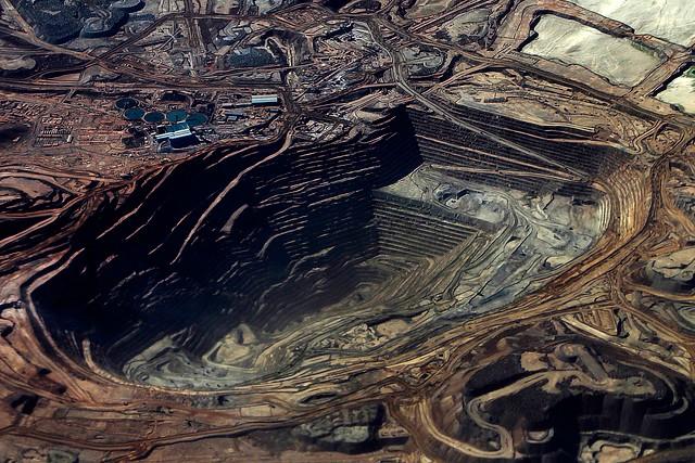Lluvias obligan a principales mineras del norte a detener sus faenas