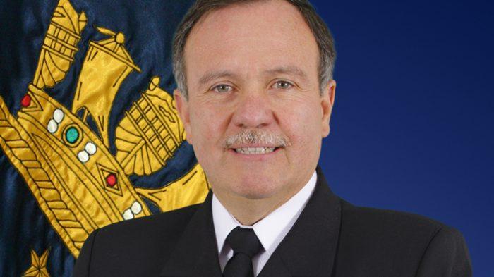Comandante en jefe de la Armada, Julio Leiva Molina, es acusado de amedrentar a juez de DD.HH., Jaime Arancibia