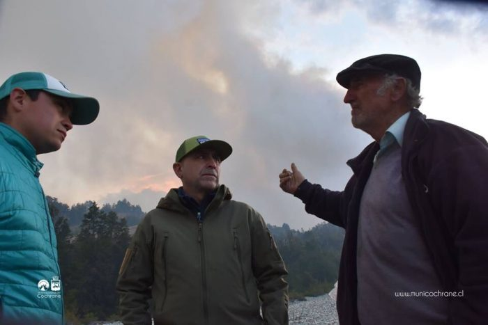 """Ayseninos destrozan el optimismo de Piñera y reclaman que el incendio está """"descontrolado"""""""