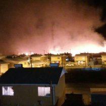 Incendio en Villa Italia de Penco: llamas alcanzaron a estar a 2 metros de las casas