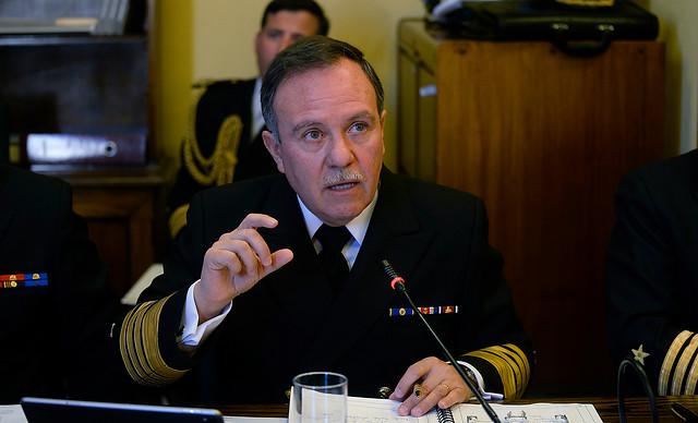 Corte ordena entregar detalle de viajes y viáticos del jefe de la Armada: No es secreto ni amenaza a la seguridad nacional