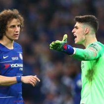 Surrealista escena en la final de la Copa inglesa: arquero del Chelsea se niega a ser reemplazado y el técnico explota en rabia