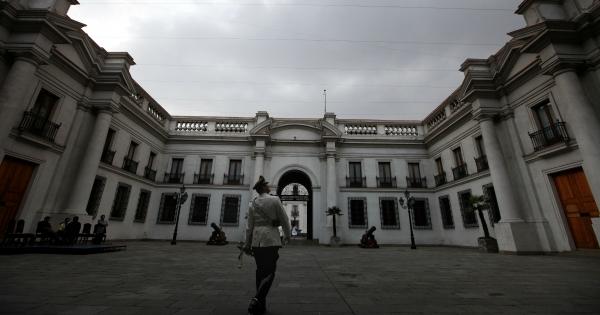 La luz roja del Barómetro de la Política CERC-Mori: encuesta revela dramática caída en la confianza en las instituciones