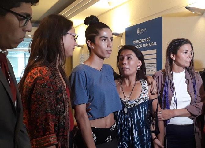 """Arlén, la joven trans que no fue aceptada en el Liceo 1: """"Que algunos colegios puedan seleccionar a sus estudiantes es una discriminación"""""""