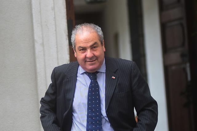 """Suma y sigue: nueva denuncia complica al subsecretario Castillo y oposición insiste en que no tiene """"estándar ético"""" para el cargo"""