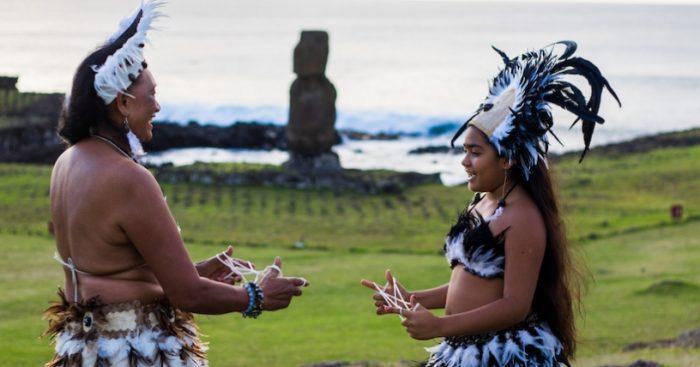 Alcalde de Rapa Nui saluda devolución de piezas de Noruega, pero pide mea culpa de Estado chileno