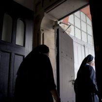 Apoyo transversal al retiro de fondos previsionales: monjas se sumaron a jornada de cacerolazos