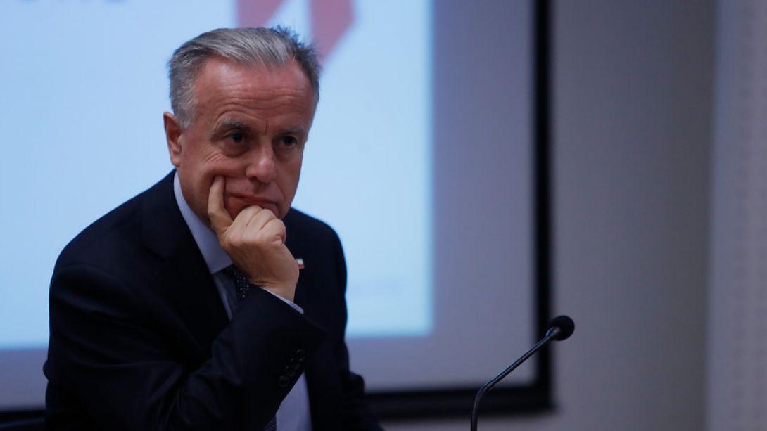 La seguidilla de explicaciones de Santelices sobre su rol y la polémica circular de la Superintendencia de Salud