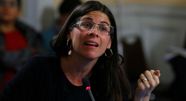 """Fuego amigo: Silvia Eyzaguirre del CEP se suma a las críticas contra Cubillos por """"Admisión Justa"""""""