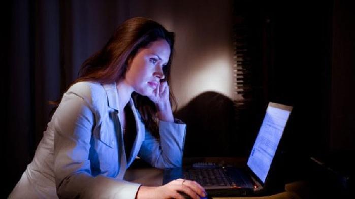 Dormirse tarde podría elevar el riesgo de desarrollar diabetes tipo 2 y enfermedades cardiovasculares
