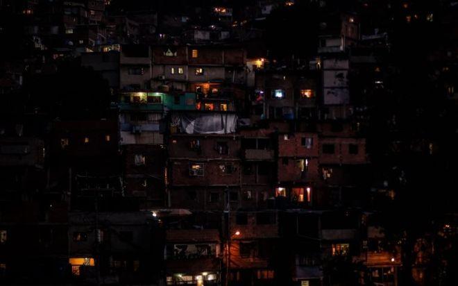 Venezuela sin luz: cómo funciona su sistema eléctrico y por qué colapsó