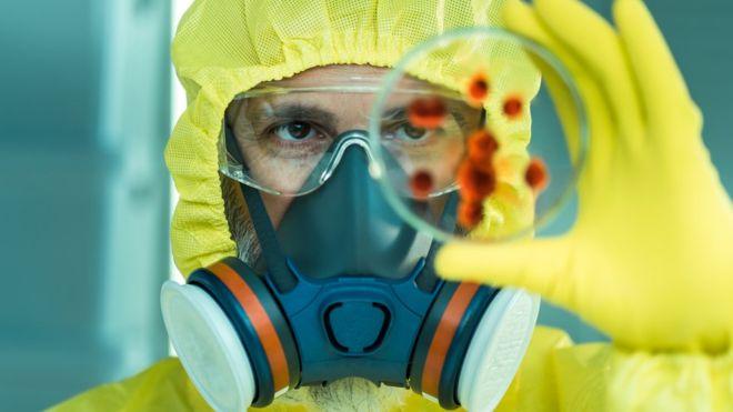 """Los """"peligrosos experimentos"""" financiados por EE.UU. que según algunos científicos podrían desatar una pandemia"""
