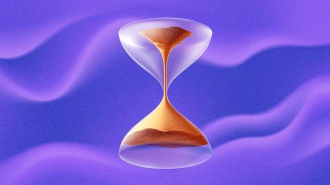 Cómo científicos lograron que el tiempo fluyera hacia atrás con una computadora cuántica