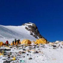 Everest: los cadáveres que están quedando expuestos con el derretimiento de los glaciares