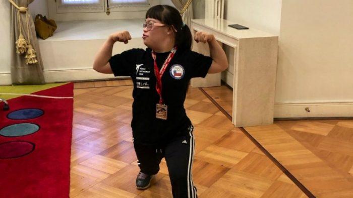 Reconocen a campeona mundial de parataekwondo y en La Moneda