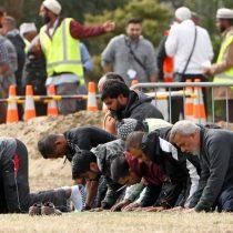 Nueva Zelanda identifica las 50 víctimas del atentado y prohíbe venta de armas