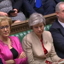 Reino Unido rechaza por tercera vez acuerdo sobre