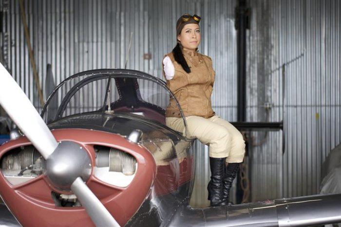 Primera piloto sin brazos de aviones ligeros: