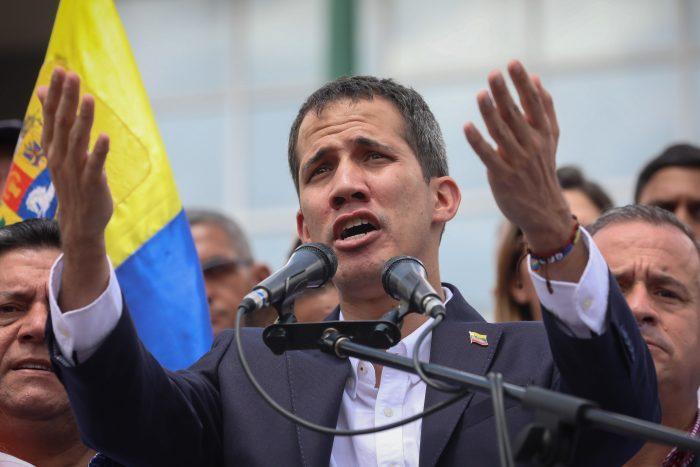 """Guaidó anuncia reunión con sindicatos y emplaza a las Fuerzas Armadas: """"¿Qué más van a esperar?"""""""