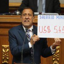 Parlamento venezolano: empleados públicos cobran menos de 6 dólares al mes