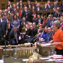 """¿Y ahora qué?: nuevo acuerdo de May para el """"brexit"""" es rechazado por aplastante mayoría"""