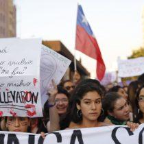 """Macarena Segovia, periodista de El Mostrador, desde la marcha 8M: """"Se espera una jornada histórica"""""""