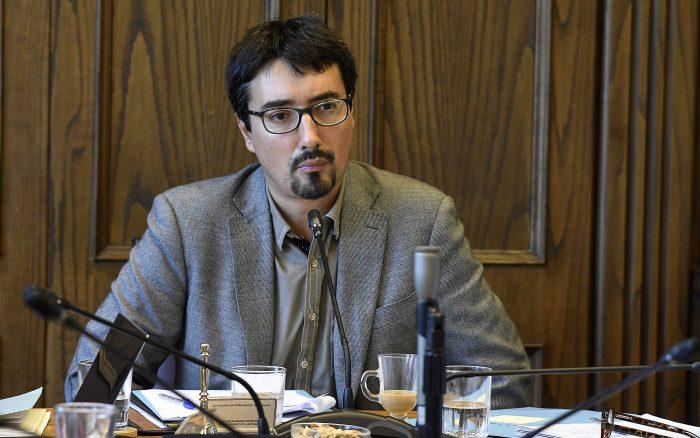 """Latorre, el único disidente en el blindaje del Senado a Cardoen: """"Hay una red transversal de apoyo político"""" al empresario"""
