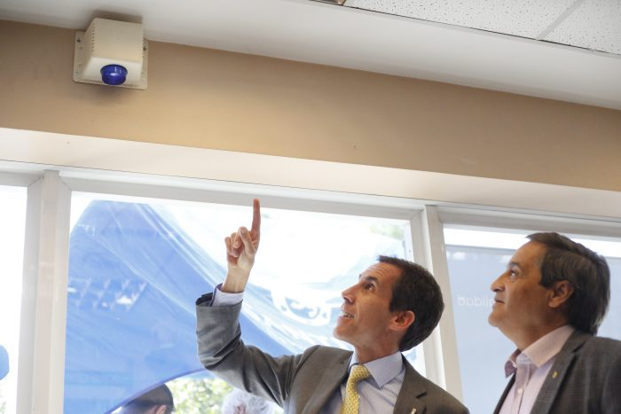 "Minsal presentó ""Botón de Pánico"" que tendrán los centros de salud de Santiago"