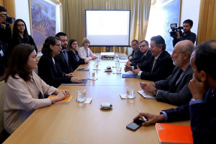 Enviados de Bachelet se reunieron con Ampuero para tratar la situación de los migrantes venezolanos