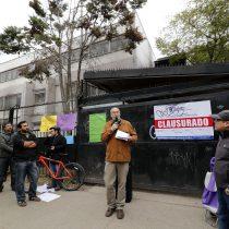 Liceo Amunátegui se va a un local arrendado y apoderados acusan abandono del histórico edificio