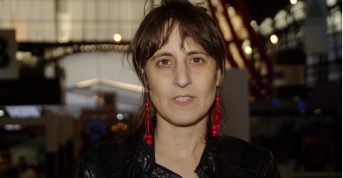"""""""El sistema del tacto"""" de Alejandra Costamagna: una novela en que a través de lo raro surge la belleza inesperada"""