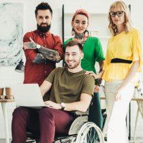 Cuidar el lenguaje y las bromas es clave en espacios de trabajo diversos