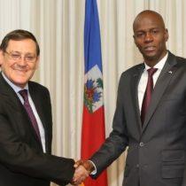 Ciudadano haitiano muere tras ataque a delegación solidaria donde participaba embajador chileno