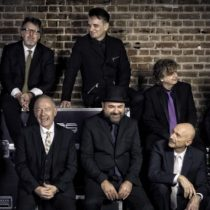 King Crimson: banda fundamental del rock progresivo debuta en Chile