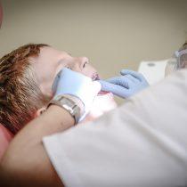 Buscan prevenir caries en población infantil con fluoraciones gratuitas