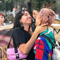 LGBT+ convocaron besatón masiva en protesta por la visita de Bolsonaro a Chile